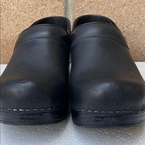 Dansko Shoes - Dansko professional clogs oiled nurse black sz 38